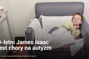James jest autystykiem i nie mówi, ale ma wspaniałego przyjaciela. Nie rozstają się nawet w szpitalu