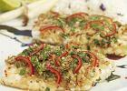 Ryba barramundi z traw� cytrynow�, kolendr�, sosem sojowym i chili