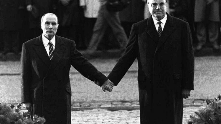 Helmut Kohl  i prezydent Francji Francois Mitterrand