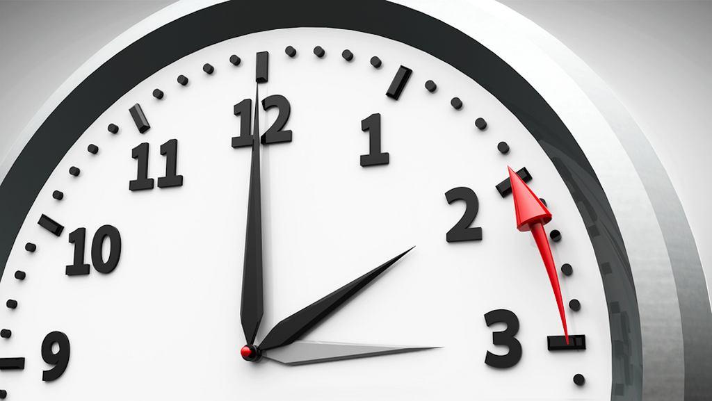 Zmiana czasu na zimowy 2018: zegarki przestawiamy w ostatni weekend października