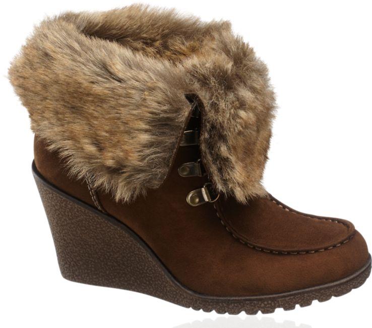 09c15134637a6 HIT: Buty z futerkiem i kożuchem - ponad 60 propozycji