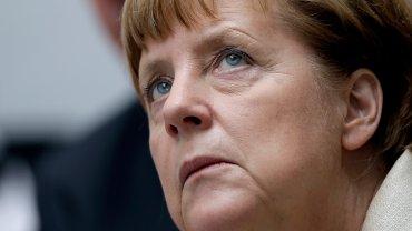 Aleksis Tsipras chcia� trzeciej transzy. Jest odpowied� Angeli Merkel. Brutalnie bezpo�rednia