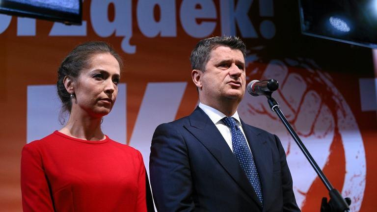 Janusz Palikot z żoną na wieczorze wyborczym