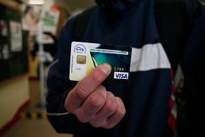 Karta od banku nie s�u�y ju� tylko do p�acenia