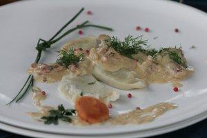 Kulinarne skarby Mazur – regionalne potrawy, których należy spróbować
