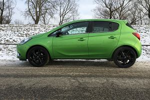 Opel Corsa 1.0 Turbo | Apple CarPlay