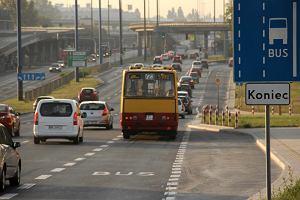 Najd�u�sze linie w Warszawie. Autobusy jad� ponad 40 km