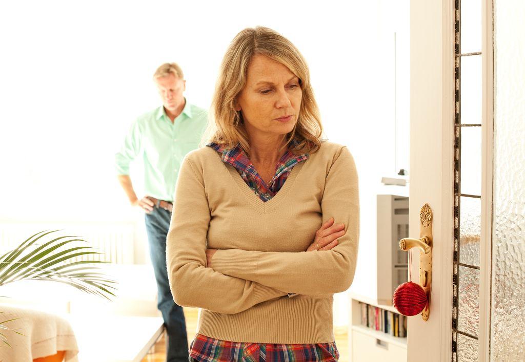 Ala: Po czterdziestce jesteśmy sobie z mężem coraz mniej potrzebni, śpimy osobno (zdjęcie ilustracyjne - fot. alvarez / iStockphoto.com)