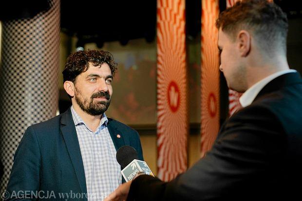 Prof. Chmielewski si� myli, otwarcie ESK by�o pionierskie - komentuje Krzysztof Maj