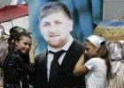 Kadyrow ściągnął na wiec w Groznym prawie wszystkich mieszkańców Czeczenii. Chce być następcą Putina