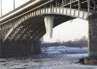 Już wiadomo, skąd wziął się gigantyczny sopel na Moście Poniatowskiego. Czy most jest bezpieczny?