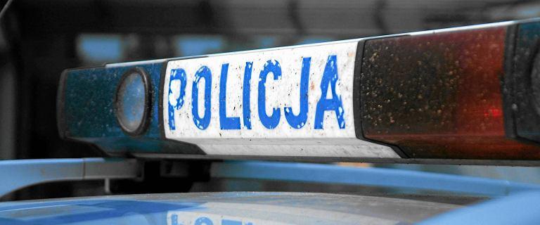 Trasa Siekierkowska: samochód uderzył w bariery. Za kierownicą 101-latek