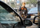 Zmiany w strefie parkowania. Kto zaparkuje (prawie) za darmo? Co z op�atami w soboty?
