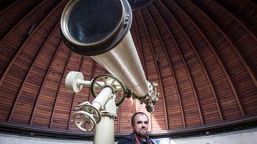 Dr Tomasz Mrozek z Instytutu Astronomicznego Uniwersytetu Wrocławskiego