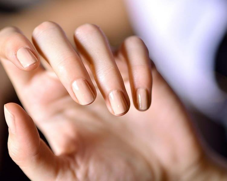 Warto stosować odżywki do paznokci