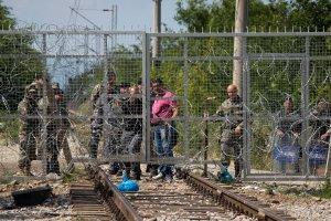 Uchodźcy. Pewnego dnia para wysadzi pokrywę