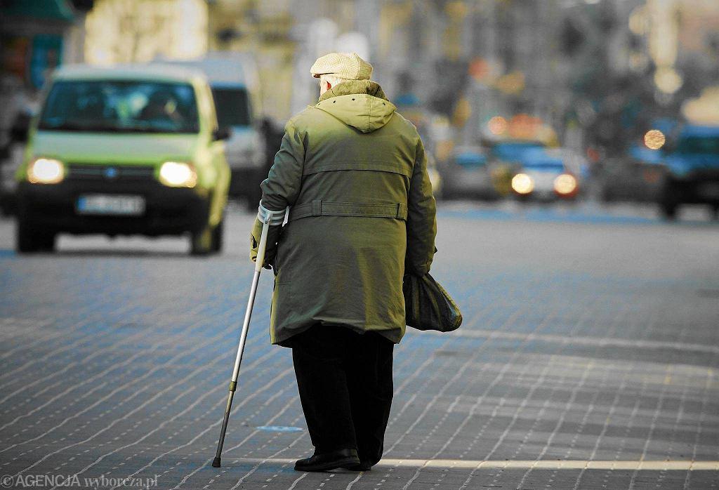 Sejm uchwalił ustawę obniżającą wiek emerytalny do 65 lat dla mężczyzn i 60 lat dla kobiet