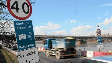 W niektórych miejscach nawet 85 proc. kierowców przekracza dozwoloną prędkość.