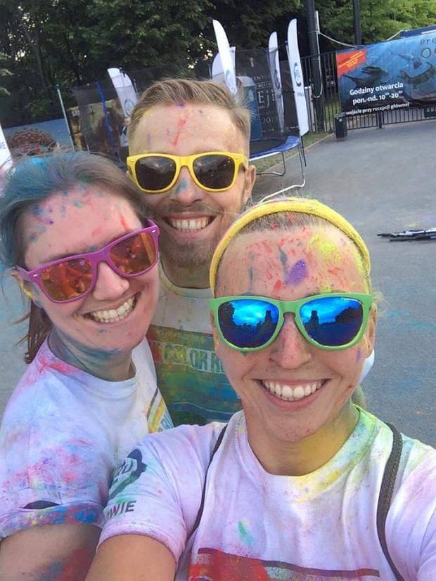 Nat z przyjaciółmi na warszawskim The Color Run