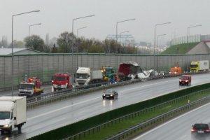 Przewrócony tir zakorkował autostradę A2 z Warszawy do Łodzi