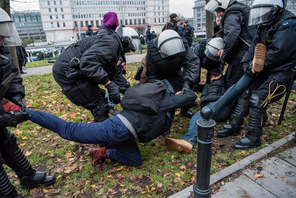Policja usuwa Obywateli RP z trasy Marszu Niepodległości