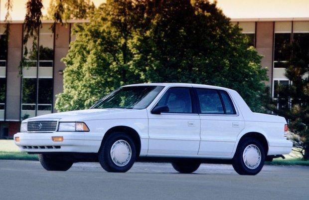 Plymouth Acclaim z 1989