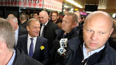 Premier Donald Tusk w drodze do prokuratury