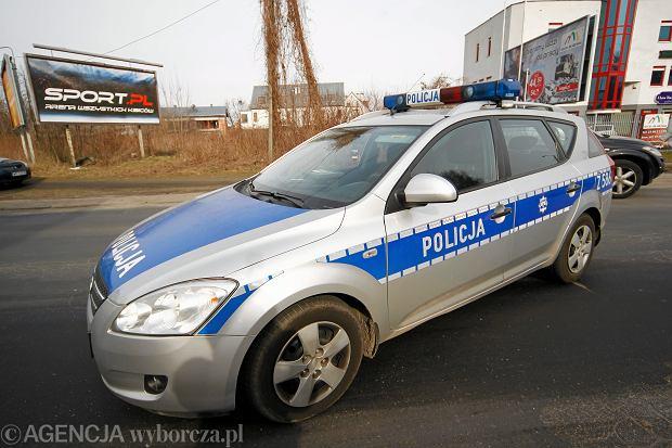 Jak policja w Poznaniu za kas� chodzi. Na radiowozy zrzuc� si� rady osiedli?