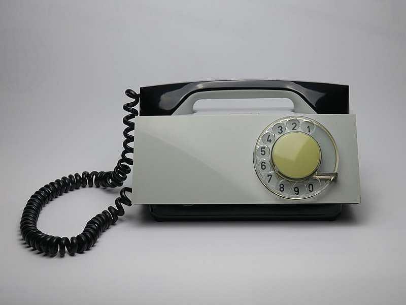 Telefon domowy Tesla T65 H, 'Trumna', proj. Bohumil Mira, Tesla Liptovský Hrádok, 1963 / Materiały prasowe Domu Spotkań z Historią