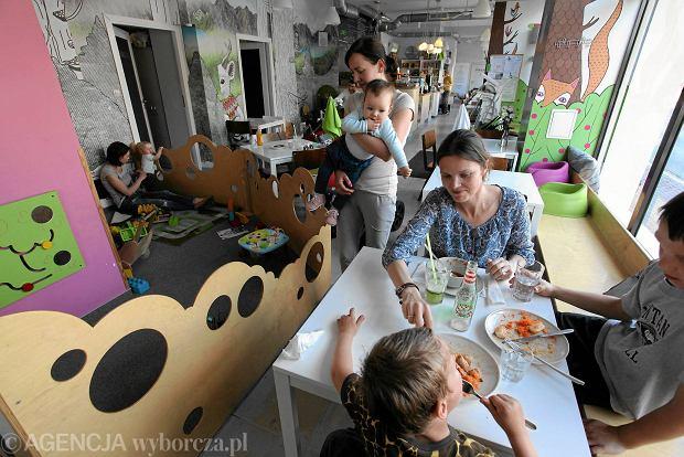 Czy wizyta z dzieckiem w restauracji musi kończyć się awanturą?