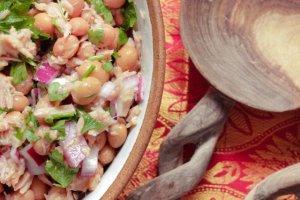 Sałatka majonezowa z tuńczykiem i fasolą
