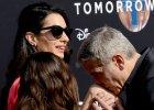 George Clooney tak �ony na czerwonym dywanie jeszcze nie adorowa�. Ale wszyscy i tak patrzyli na osob� obok