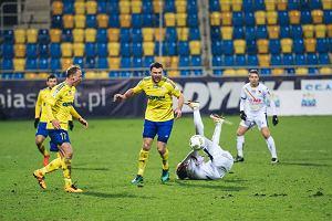 Krzysztof Sobieraj: Dlaczego pan Marciniak przerwał akcję po dotknięciu piłki przez zawodnika Jagi?