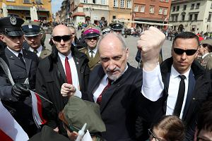 Czystka Antoniego Macierewicza. Minister chce mieć swoich generałów