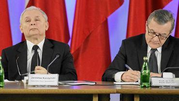 Jarosław Kaczyński i kandydat na premiera w rządzie technicznym Piotr Gliński