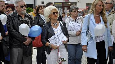 Protest przeciwko reformie edukacji na Rynku w Świebodzicach