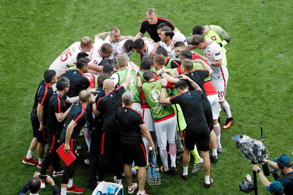 Zdjęcie numer 2 w galerii - Euro 2016. Szwajcaria - Polska (1:1). Bitwa o Saint - Etienne wygrana w karnych. Jesteśmy w ćwierćfinale!