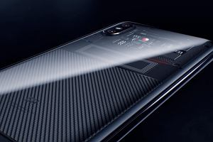 Xiaomi Mi 8 już oficjalnie. Chińczycy pokazali nie jeden, a aż trzy nowe smartfony