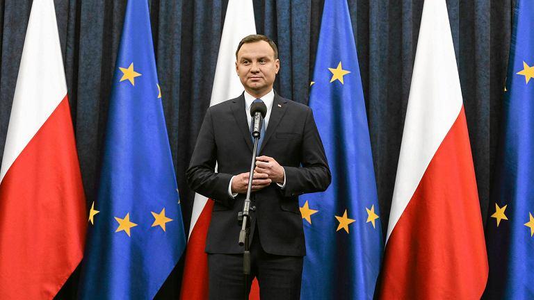 Prezydent Andrzej Duda podczas wczorajszego wystąpienia. - Uważam, że nowelizacja ustawy, którą podpisałem, przyczynia się do wzmocnienia pozycji i sytuacji Trybunału Konstytucyjnego - powiedział dziennikarzom