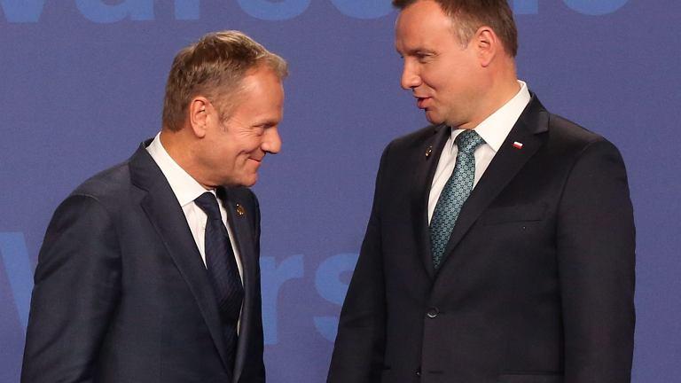 Donald Tusk i Andrzej Duda podczas szczytu NATO w Warszawie