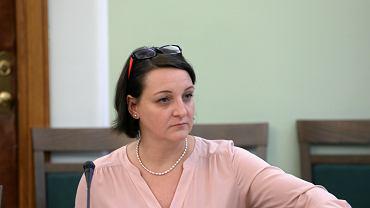 Wiceminister kultury Magdalena Gawin podczas czytania poselskiego projektu ustawy o Instytucie Solidarności i Męstwa. Sejm, 7 listopada 2017
