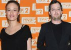 Jan Holoubek i Magdalena Różczka na premierze. Aktorka zaokrągliła się. Widać to mimo luźnego stroju