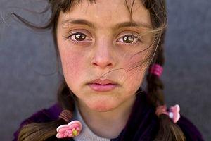 "Portret 5-letniej Zahary zdjęciem roku. ""Te oczy patrzą na pana, panie Kaczyński"""