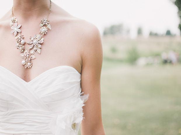 Biała sukienka na ślub cywilny [przegląd]