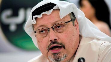 Saudyjski dziennikarz Dżamal Khashoggi najprawdopodobniej zamordowany w konsulacie Arabii Saudyjskiej w Stambule. Na zdjęciu: podczas konferencji w Bahrainie, 1 lutego 2015