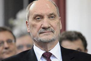Macierewicz: Raport Millera zosta� sfa�szowany