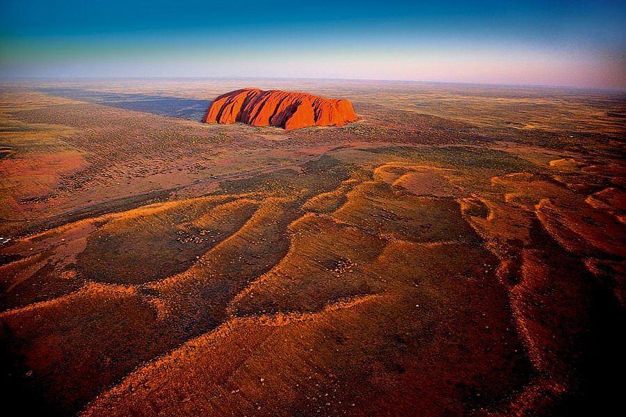 Australia Uluru Ayers Rock / fot. HUBER HANS-P/BE&W