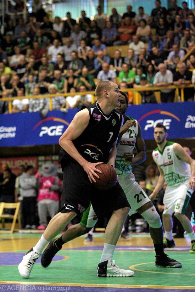 Zdjęcie numer 3 w galerii - Koszykówka. Damian Kulig zadziwia Europę.