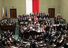 Bilans kryzysu parlamentarnego. 43 proc. badanych nie opowiada się po żadnej ze stron