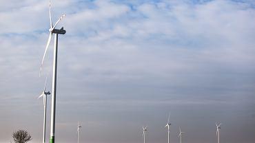 Energa ogłosiła, że nie płaci już wynagrodzenia za zakup zielonej energii z wiatraków. W sumie chodzi o 22 umowy z producentami zielonej energii.